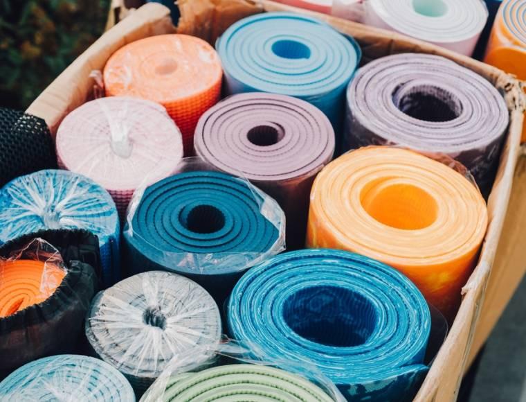 Kies het juiste materiaal voor je yoga mat.
