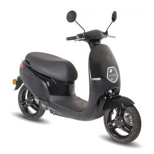 AGM E-cooter E1 zwart