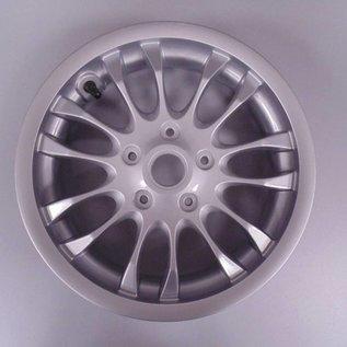Voorvelg zilver Vespa Primavera/Sprint. Origineel Vespa accessoire.