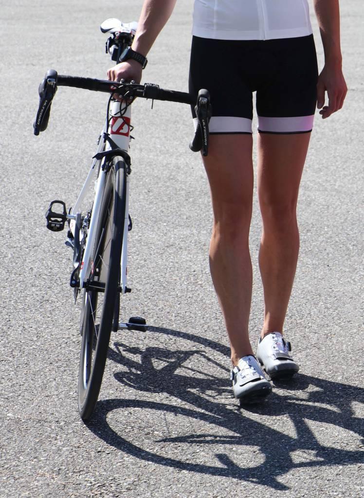 Bike textile - black & white cycling shorts