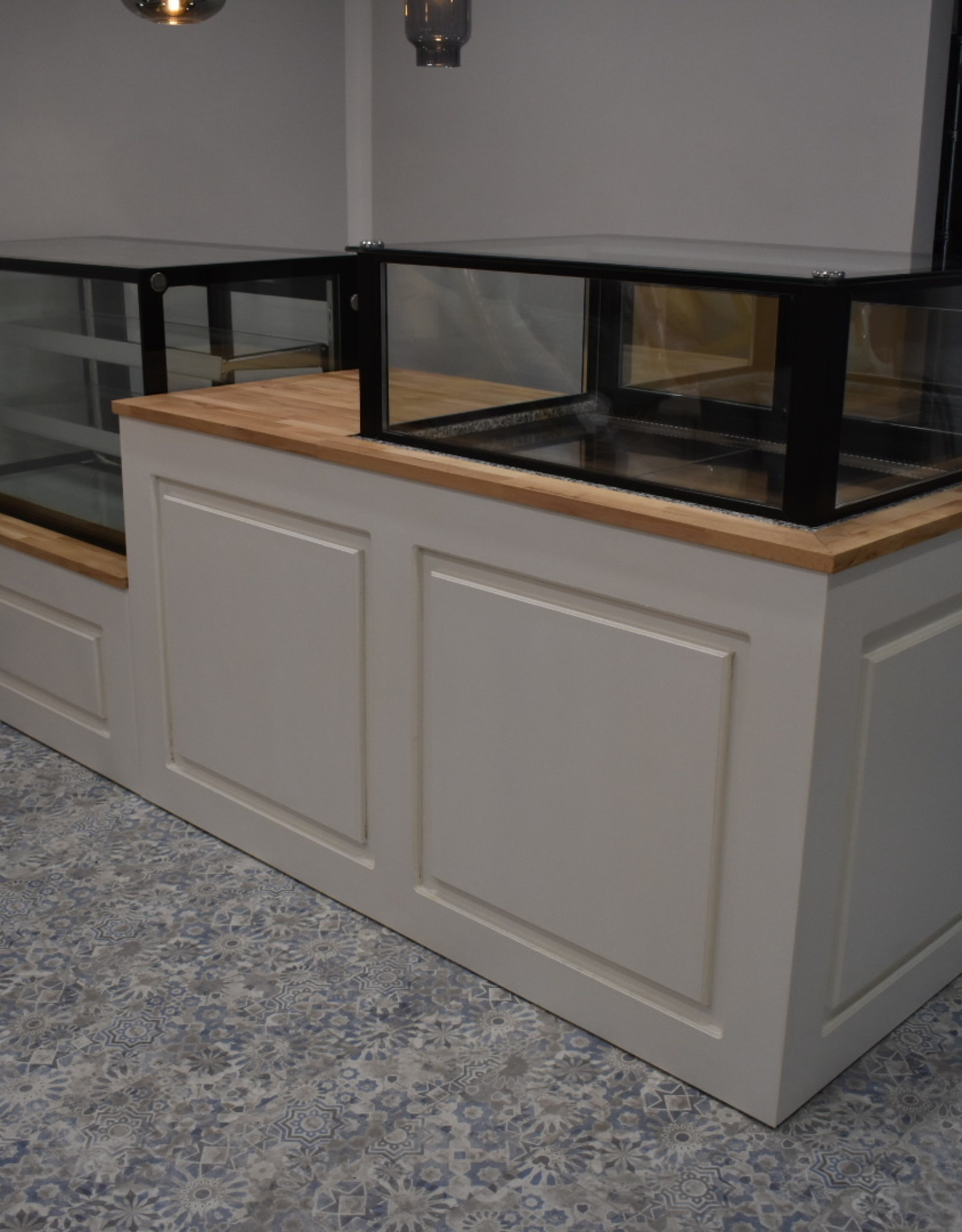 Counter or ba tailored to your wishes suitable for installing a refrigerated display case
