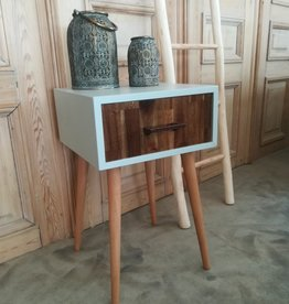 Bedside table of sidetable with drawer