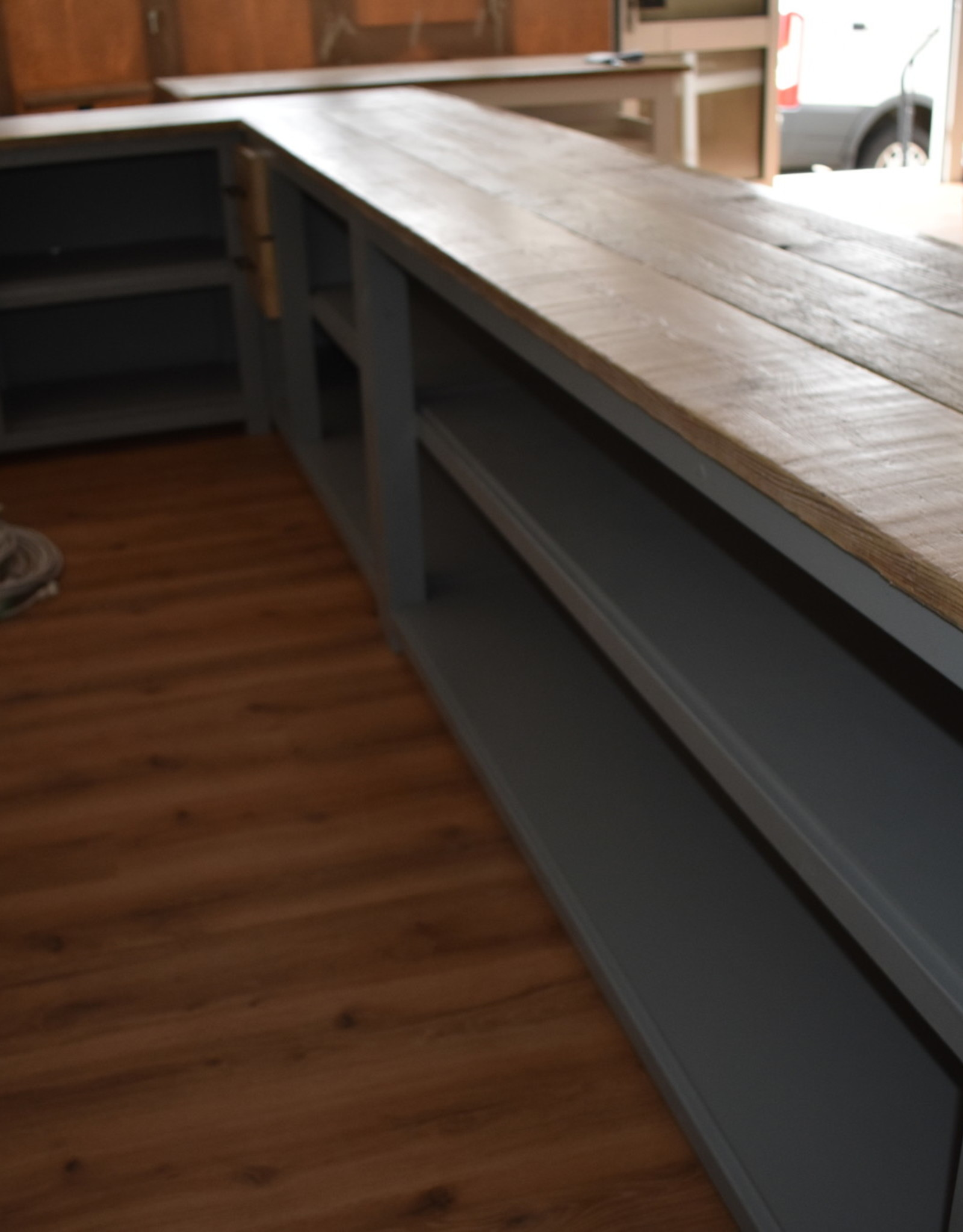 Hoek toonbank  / Bar / Ontvangstbalie met Vintage houten blad alle maten