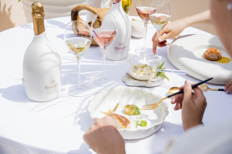Nieuw! Eco-design Second Skin Case voor Ruinart champagne