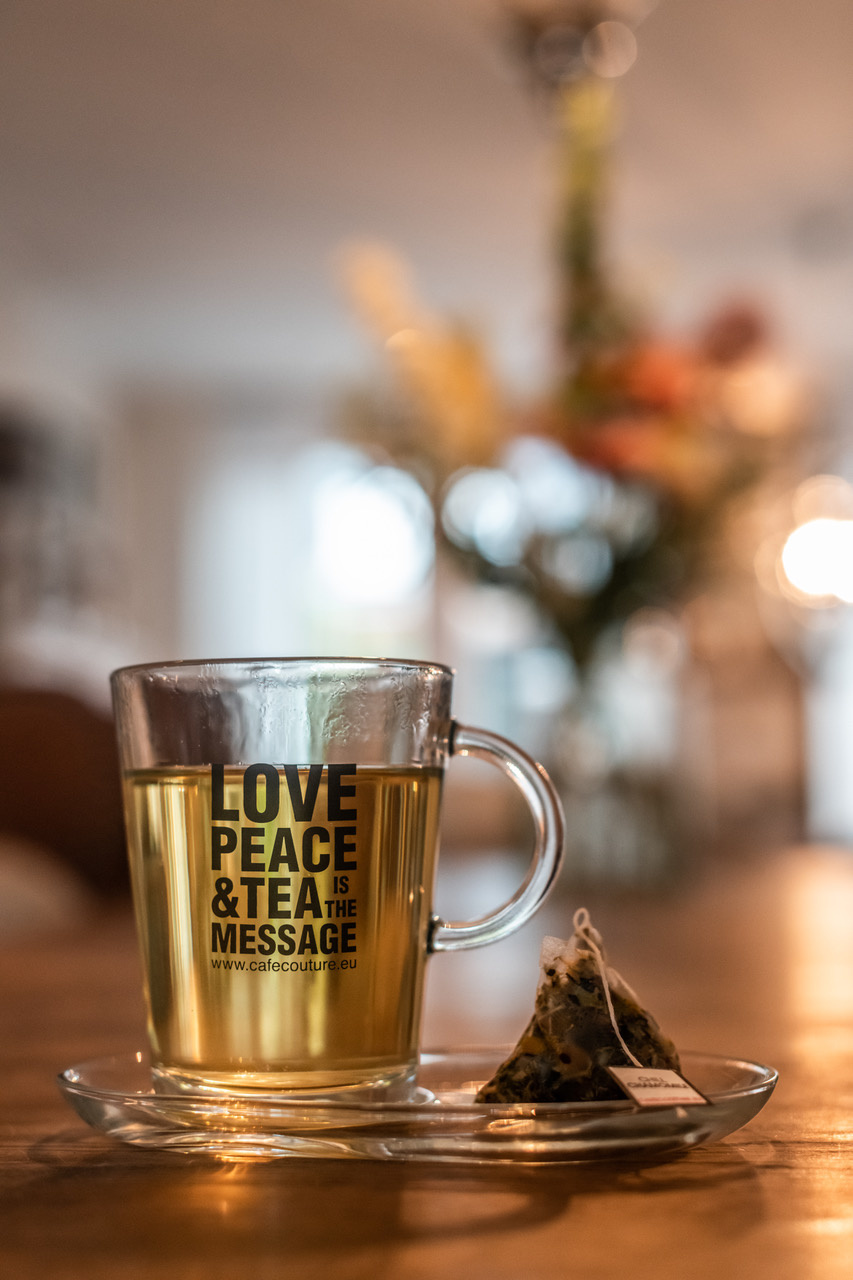Glas LOVE, PEACE & TEA IS THE MESSAGE! set