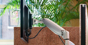 4 dingen waarop je moet letten wanneer je een monitorbeugel wilt kopen