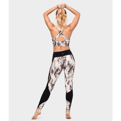 Manduka Wrap Up Print Legging in der Farbe  Sidewinder