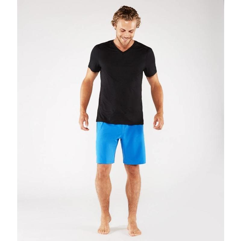 Männer Yoga T-Shirt - Minimalist Tee 2.0 in der Farbe schwarz