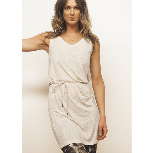 Kismet Yami Dress in der Farbe Sand/Snake
