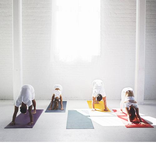 Rutschfeste Yogamatten aus Naturkautschuk & Co