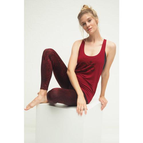 Kismet Yogastyle Kismet Yoga Top Aja in der Farbe Grape