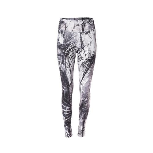 Kismet Yogastyle 7/8 Yoga Legging Ganga Caribbean Black White
