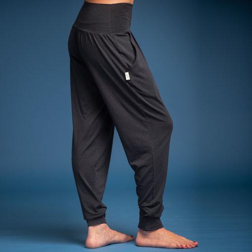 Nice to meet me Yoga Harem Pants in der Farbe Dark Grey