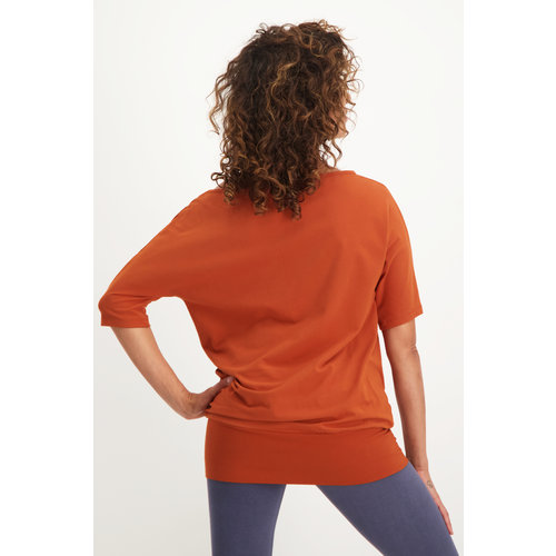 Urban Goddess Bhav Yoga Tunic in der Farbe Rust
