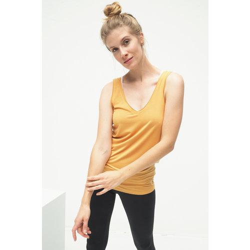 Kismet Yogastyle Yoga Top Sumati in der Farbe Desert