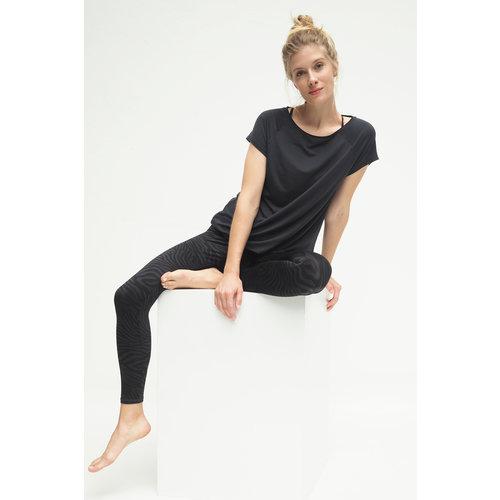 Kismet Yogastyle Yoga Shirt Jiva in der Farbe Anthrazit