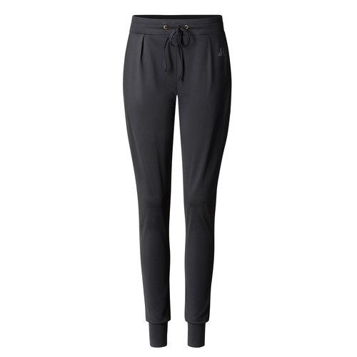 Curare Yogawear Curare Yoga Pants Boyfriend in der Farbe Schwarz