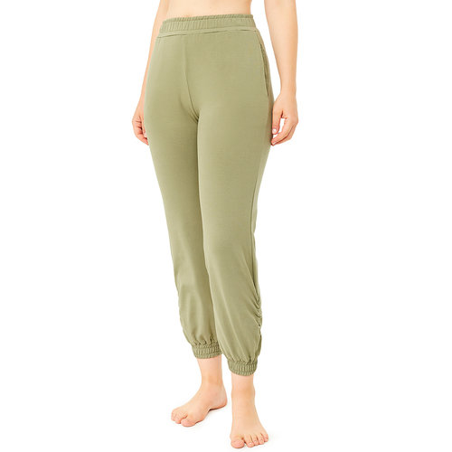 Mandala Fashion Ruffled Leg Jogger Pants in der Farbe Thyme