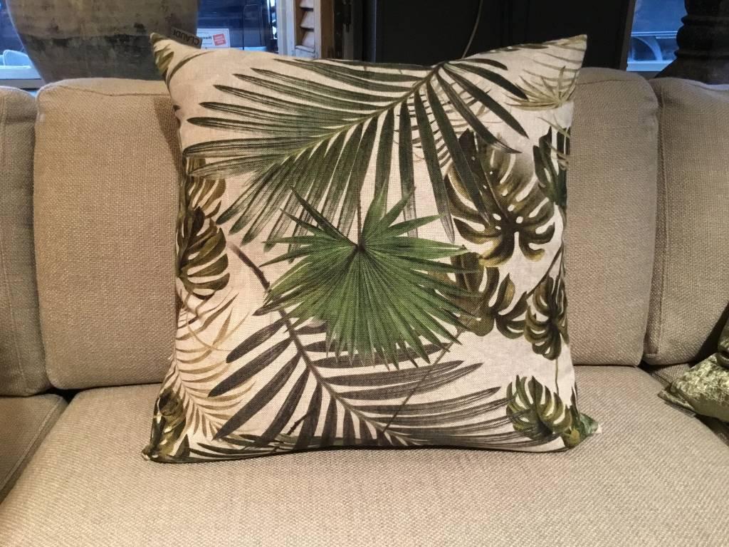 Kussen palmbladeren