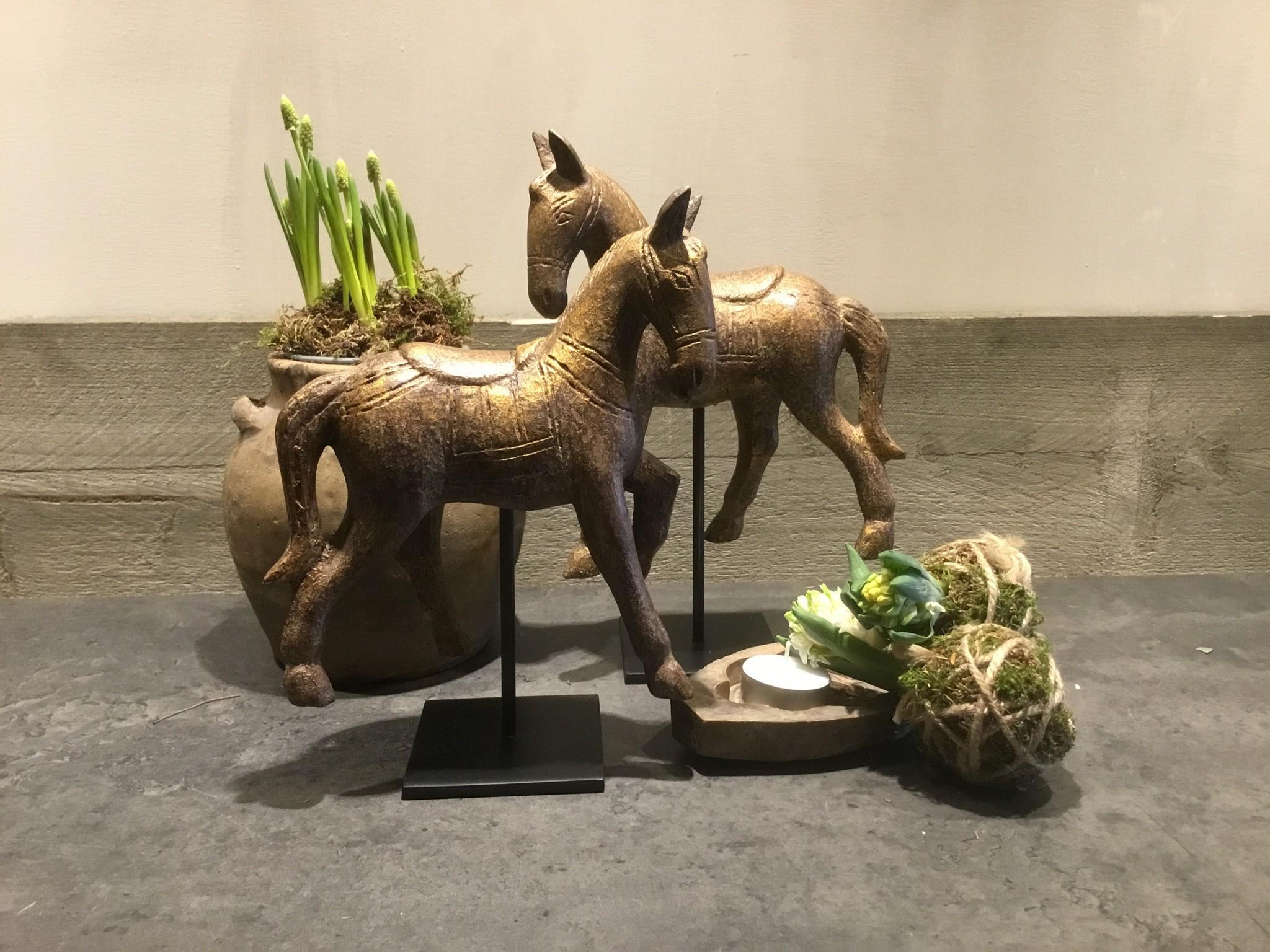 De Appelgaard Set bronzen paardjes op standaard