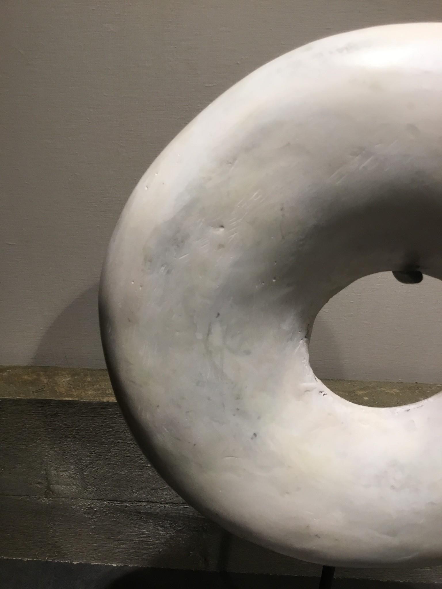 Marmer ring medium
