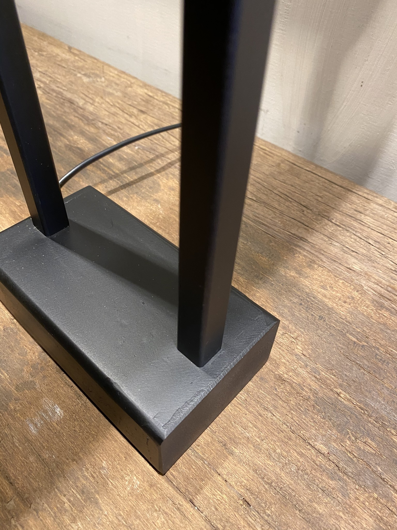 Steel en Style Tafellamp Lynn