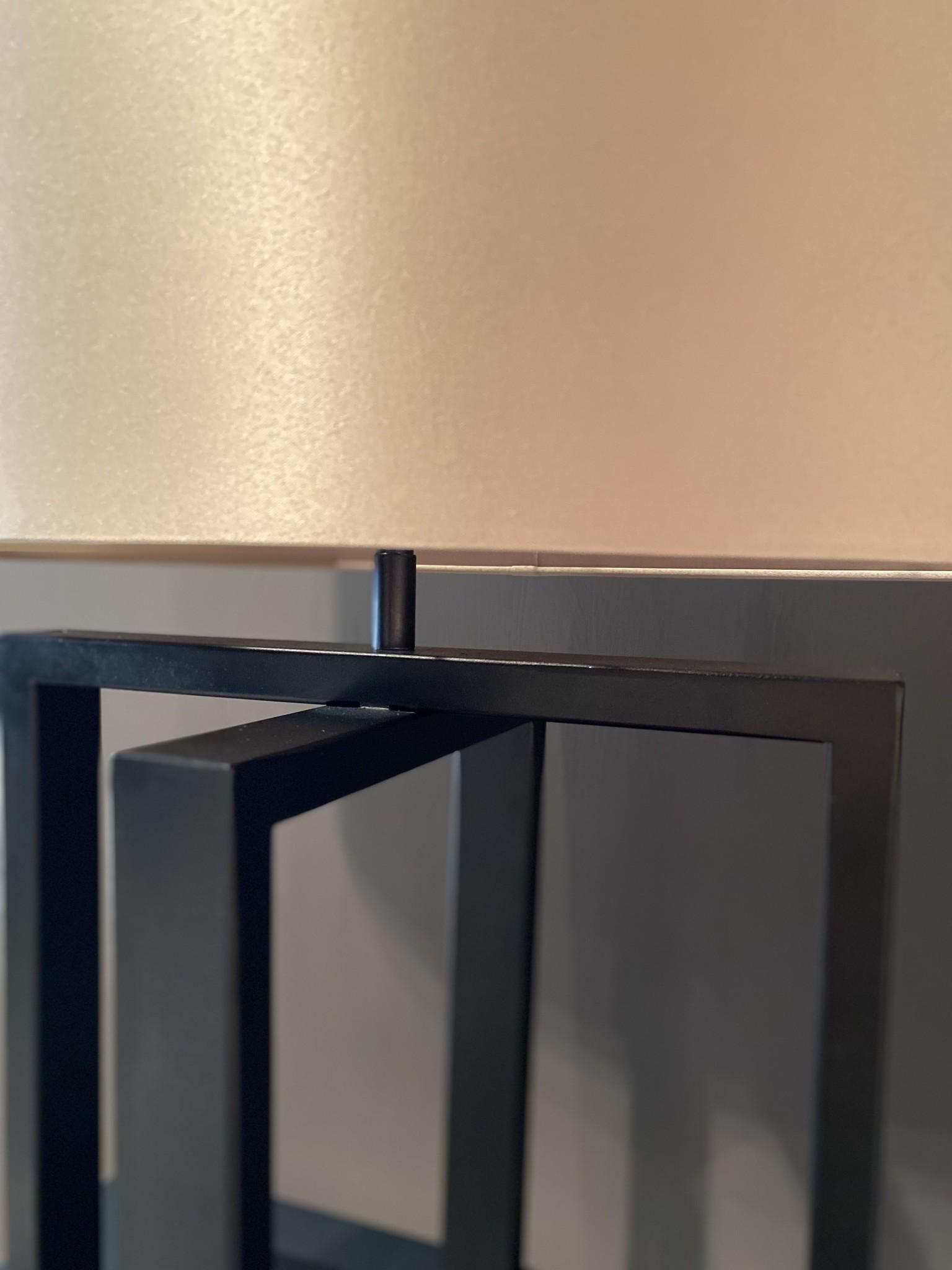 Steel en Style Tafellamp Esmay