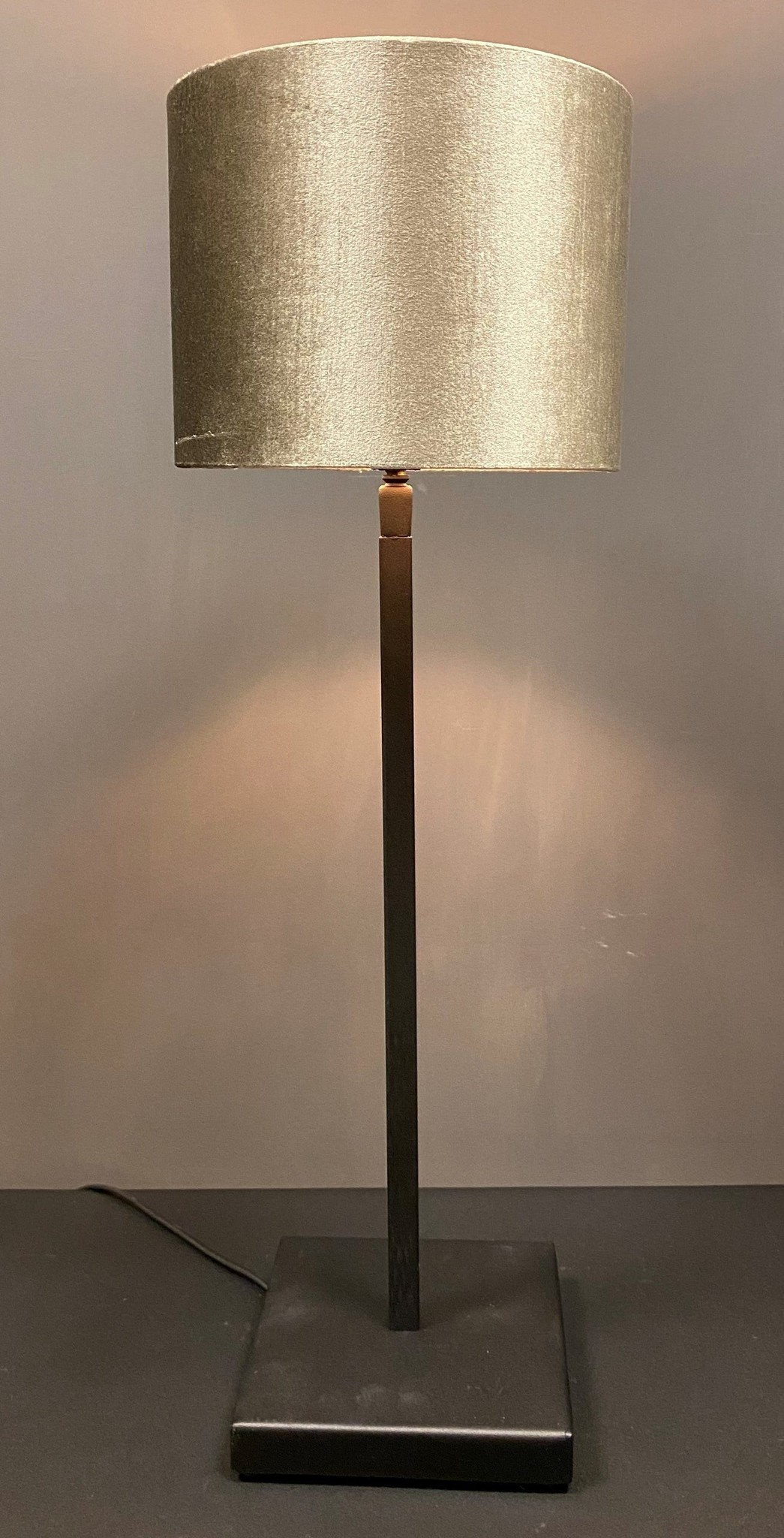 Steel en Style Tafellamp Guus