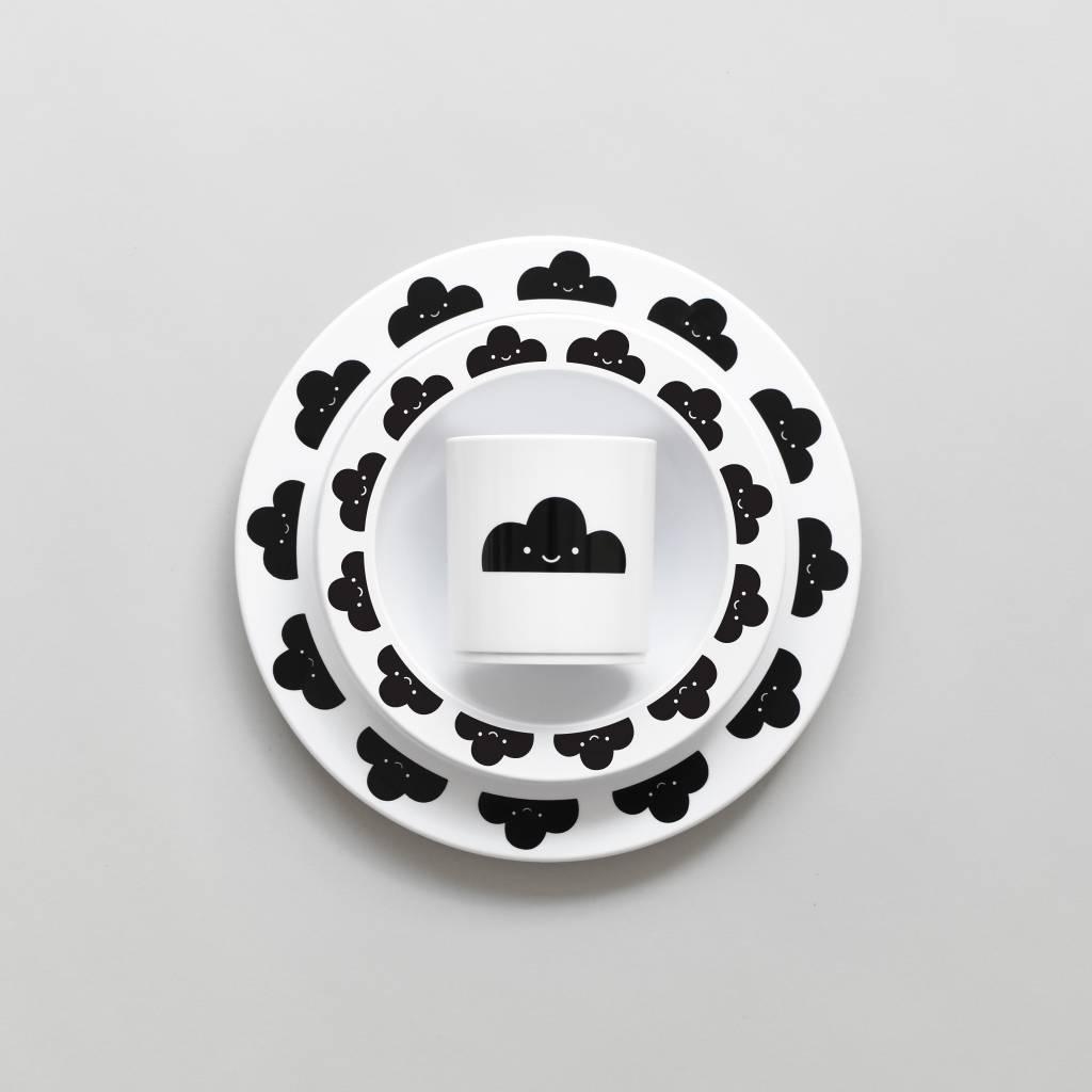 Bord zwarte wolkjes