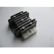 Spanningsregelaar GY6 - 50cc  (4 pins)