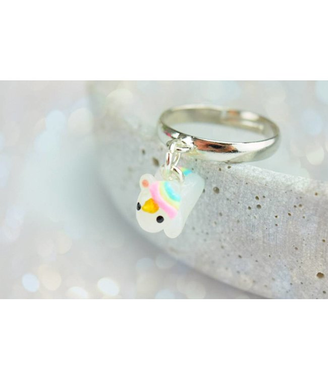 "Cute Clay ""Hanging around unicorn"" - Ring"