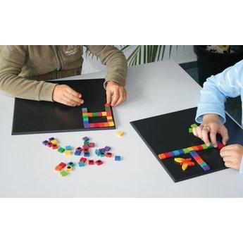 Grimms houten speelgoed Magneetbord, extra blackboard om magneetpuzzels te maken en te combineren!