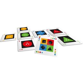 White Goblin Games spellen Kwatro, het fantastische grote spel in een klein blikje