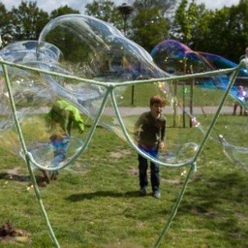 BubbleLab bellenblaasspeelgoed BubbleLab Party Fun edition met 3 bellenstokken en toverpoeder voor 15 liter sop