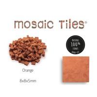 Pot met 1000 oranje mozaieksteentjes