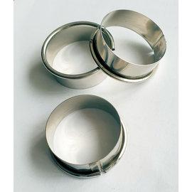 Petit gateau ring 4 cm. 1,6 cm. hoog