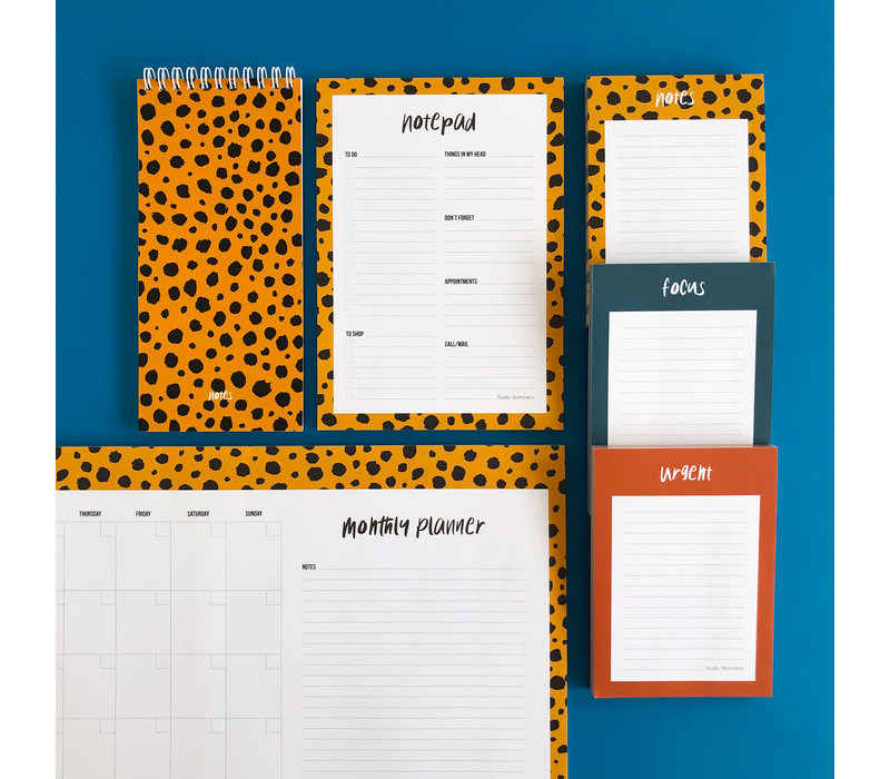 Monthly planner Cheetah