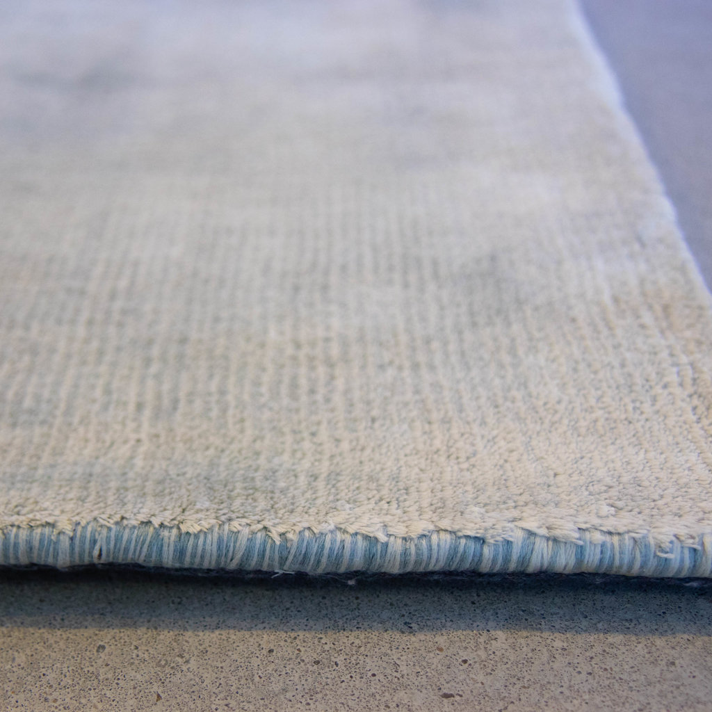 The Grand UMBRIA Carpet Blue Fade Large