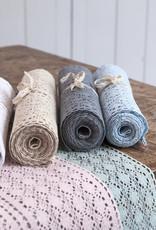 Linen & More Tafelloper  kant in 3 kleuren.