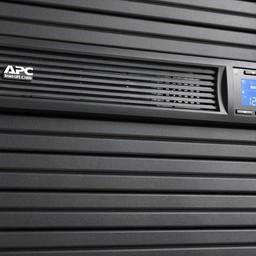 Apc APC Smart-UPS SMC1000I-2UC - Noodstroomvoeding 4x C13 uitgang, USB, Rack mountable, SmartConnect, 1000VA