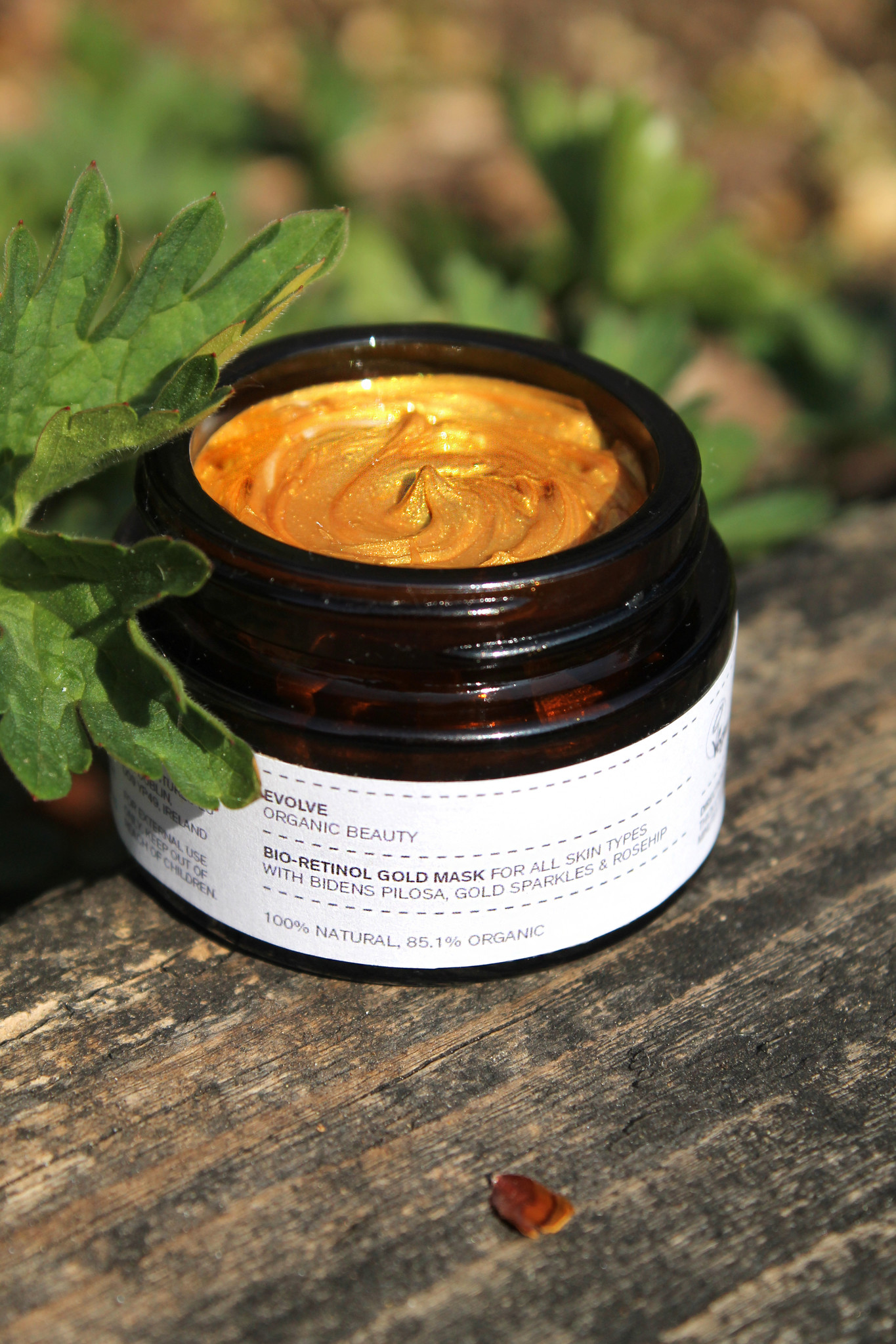 Evolve Beauty  Bio-Retinol Gold Mask