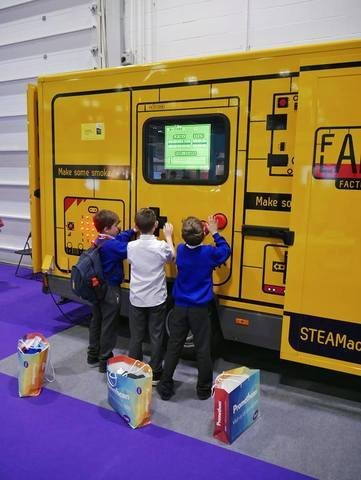 Full steam ahead - Fablab Factory @ BETT2018