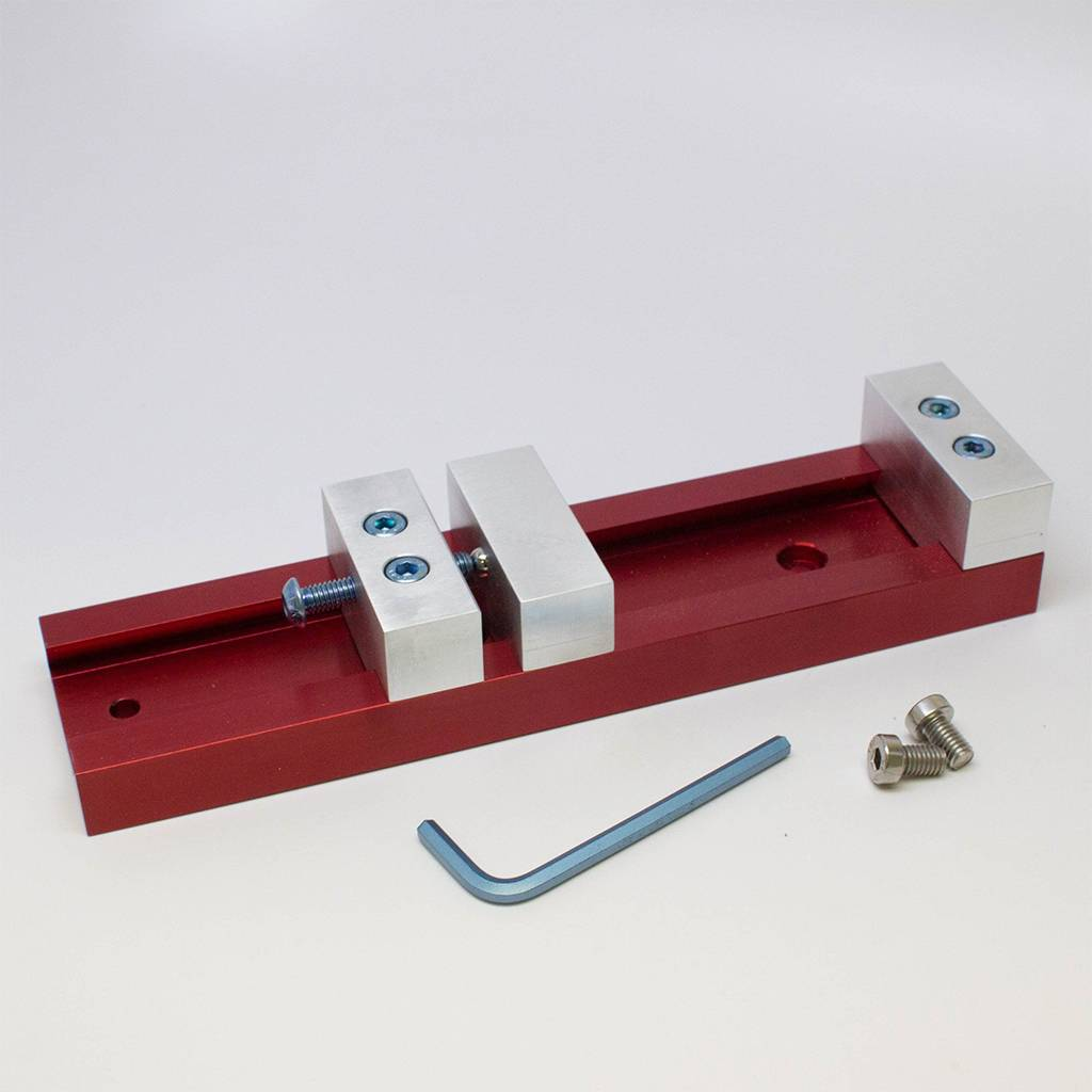 Carbide3D Bankschroef met laag profiel