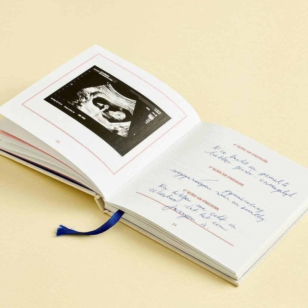 Stratier Stratier boekje '9 maanden in de buik van mama'