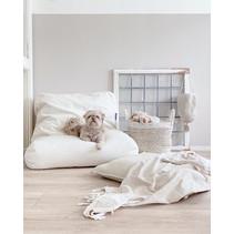 Hondenbed white sand medium