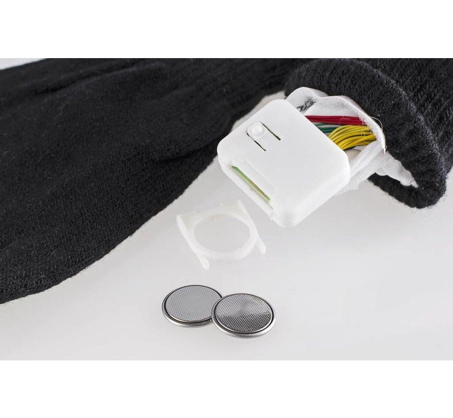 Gloves with luminous fingertips