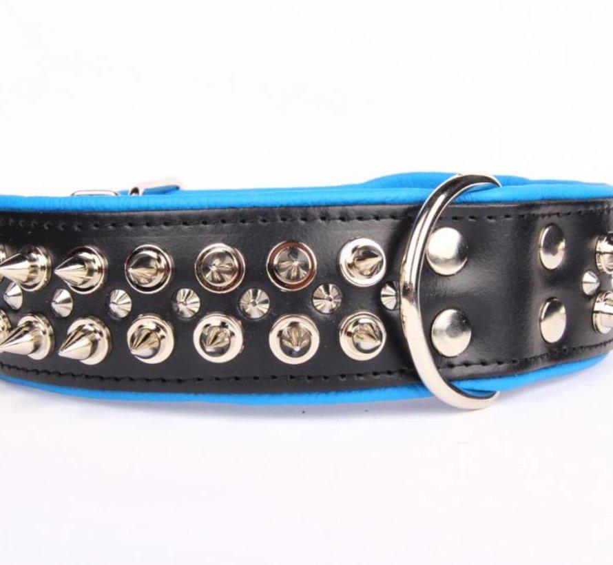 Leren halsband - met spikes - Zwart/Blauw - 60-73 cm x 50 mm