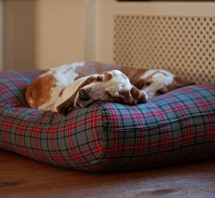 Dog bed Scottish Grey