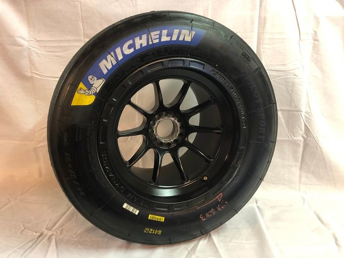Decoratief object - Formule Renault 2.0 wiel - Michelin S412