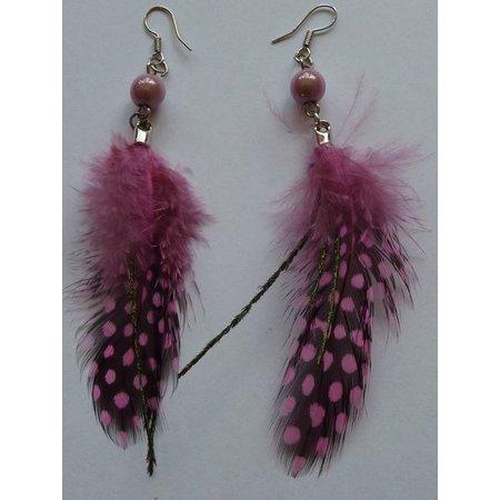 Oorbellen veer licht roze/zwart
